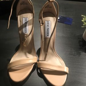 Beautiful nude Steve Madden strappy heels
